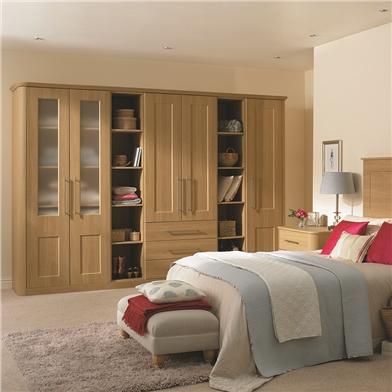 Fitted bedroom using Carrick Shaker design doors