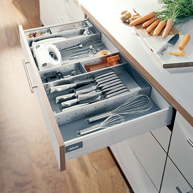 four-drawer-unit-with-blum-drawer-box